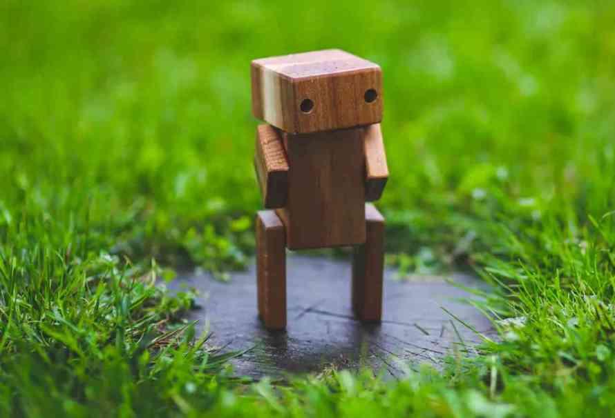 La séptima ley de la robótica: cómo hacer de los robots humanos ejemplares
