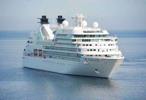 El nuevo buque insignia de Costa Cruceros, propulsado por GNL, hace escala técnica en Barcelona por primera vez