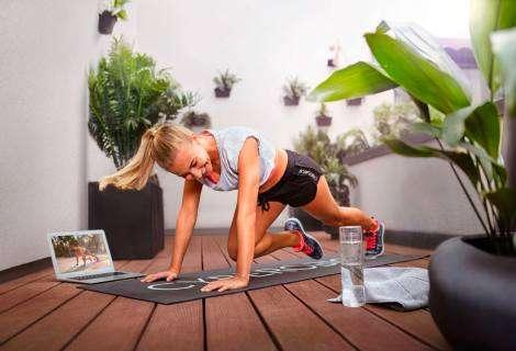 La plataforma virtual de fitness CYBEROBICS invita a entrenar en casa de forma gratuita
