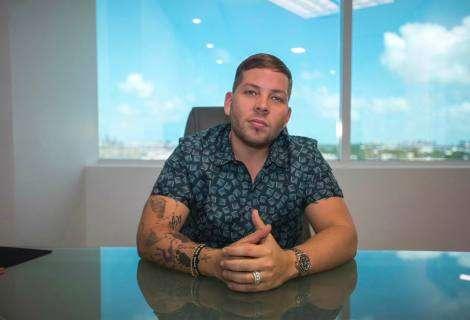 El puertorriqueño Vicente Saavedra entra en los Ïndie Power Players¨ del 2020, revela la Revista Billboard