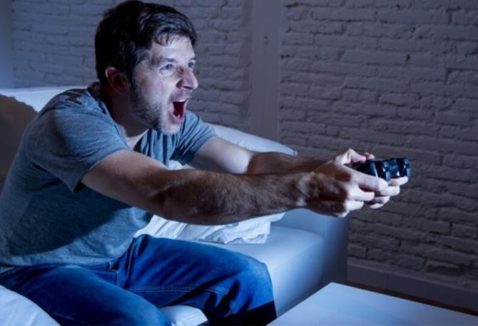 ¿Cómo evitar lesiones por videojuegos en cuarentena?