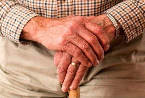 La comunicación en ancianos es una necesidad cada vez más grande, según Serviasistentes