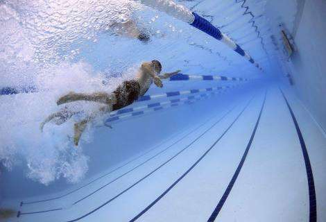 Las piscinas de natación a contracorriente para luchar contra la obesidad infantil, por Piscinas Lara