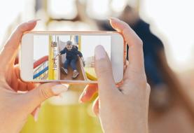 """""""Papá, ¿por qué subes esa foto mía a Instagram?"""": Los riesgos de dejar la huella de los menores en la red"""