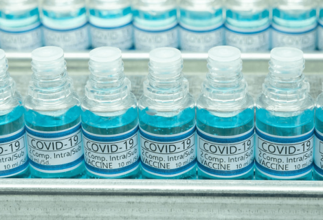 Compromiso histórico para la producción de vacunas seguras frente a la COVID-19