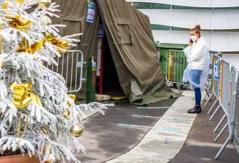 Por qué un test de covid-19 no protege del todo a su familia en Nochebuena