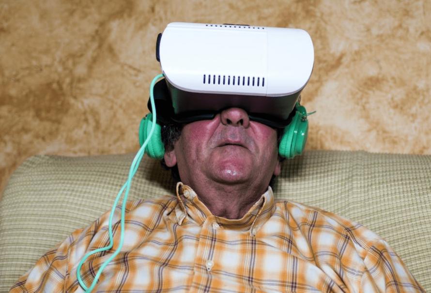 ¿Puede la realidad virtual ayudar a mejorar la autonomía de las personas mayores?