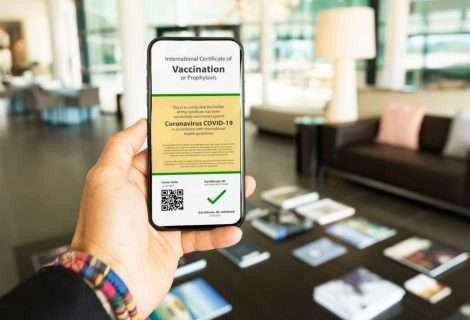 Por qué el certificado de estar vacunado contra la COVID-19 no es la solución para poder viajar